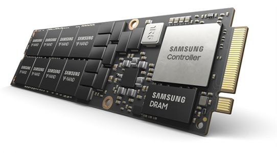 Samsung Kicks Off Mass Production of 8 TB NF1 SSDs with PCIe 4 Interface