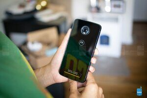 Best Buy has the Moto Z3 Play on sale for an amazing $150
