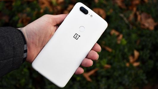 OnePlus owns 50% of India's premium smartphone market share
