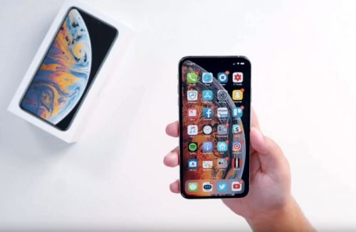 Apple's New iPhone XS Max In Action