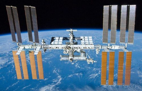 ISS astronauts will get their own Star Wars premiere-in space