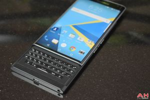 BlackBerry Confirms They Will Still Use Physical Keyboards