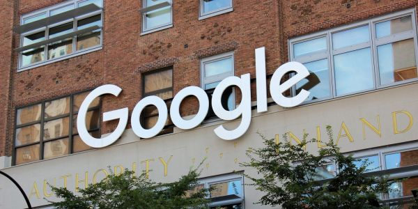 Google acquiring a part of HTC's smartphone business, non-exclusive IP rights for $1.1 billion