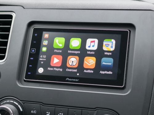 7 Things to Consider Before Buying a CarPlay Receiver