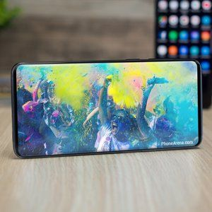 Galaxy S10 Infinity-O display rumor gains credence thanks to rock-solid leaker