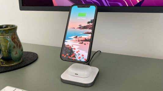 Review: Satechi's new MagSafe compatible stand charges AirPods and iPhone 12 for $60