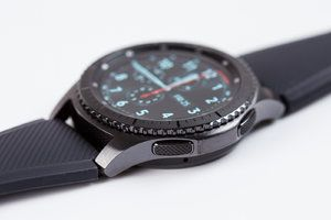 Deal: Save $70 on Samsung Gear S3 frontier at B&H