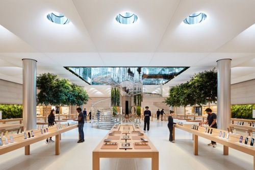 Take a look inside Apple's redesigned Fifth Avenue store