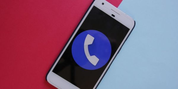 Google Phone 16 preps redesign of Favorites tab, more hints at voicemail transcription