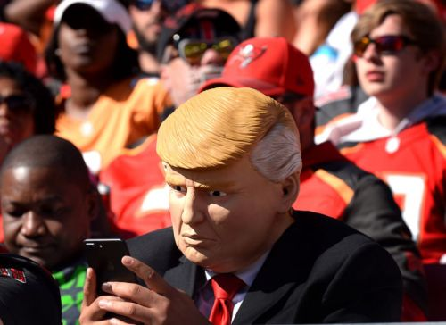"Trump's cell phone use is security ""nightmare"" waiting to happen, lawmakers say"