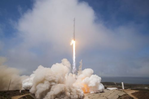 SpaceX launch last year punched huge, temporary hole in the ionosphere