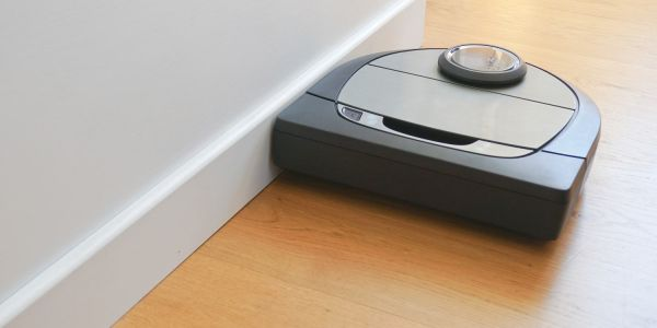 Review: The Neato Botvac D7 Connected robot vacuum cleaner is expensive but smart