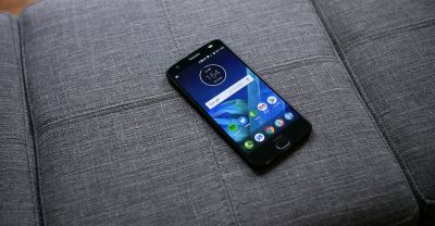 Moto Z2 Force availability at major carriers kicks off today, Gamepad Moto Mod available for $80