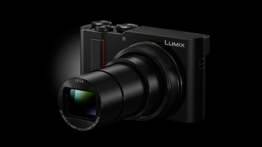 Panasonic's Lumix ZS200 / TZ200 lets you get closer to the action