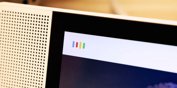 Report: Google-made Assistant Smart Display launching later this year