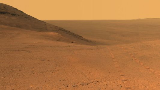 Dust storm abates, but no signal yet from Mars' oldest operational rover