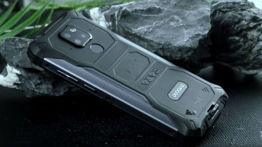This waterproof smartphone has a little feature that every phone should have