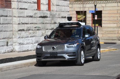 Uber is taking a big risk by ordering 24,000 cars from Volvo