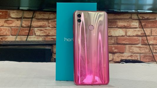 Honor 10 Lite is available now for just £199.99