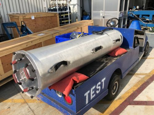 """Elon Musk built a """"submarine"""" to rescue Thailand kids-here's what it looks like"""