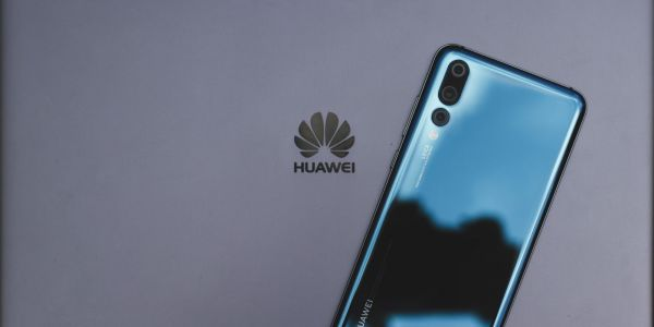 Google is being asked to 'reconsider' Huawei relationshaip by US lawmakers
