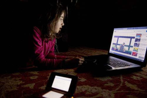 YouTube Kids cartoons include tips for committing suicide, docs warn