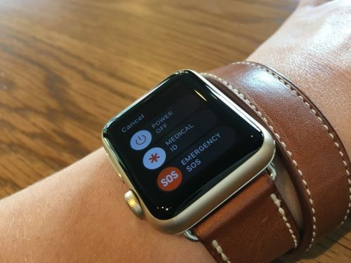 How to call for help with the Apple Watch using the SOS feature