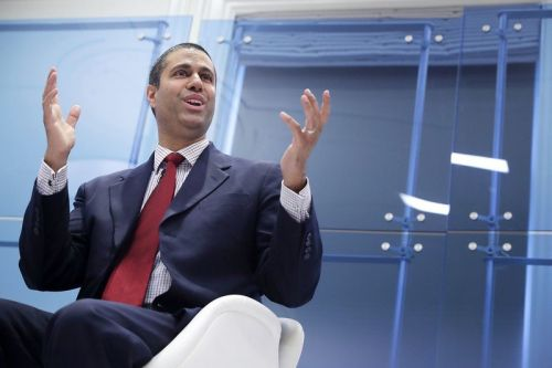 FCC to fine US carriers $200 million for disclosing locations of its users