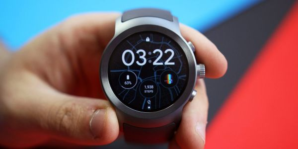 'Wear OS Phone' app now updated via the Play Store, adds Quick Replies & redesigned UI