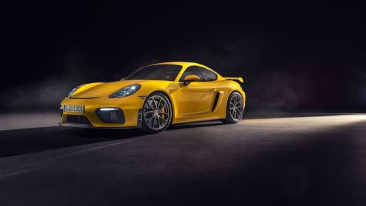 Porsche 718 Cayman GT4 and 718 Spyder revealed