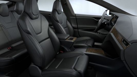 Apple Hires Former Tesla Engineering VP With Expertise in Car Interiors