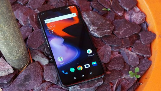 OnePlus 6 should be able to survive a spill after all