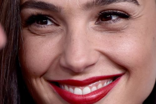 This Week in Gal Gadot: The First Israeli on the Simpsons!