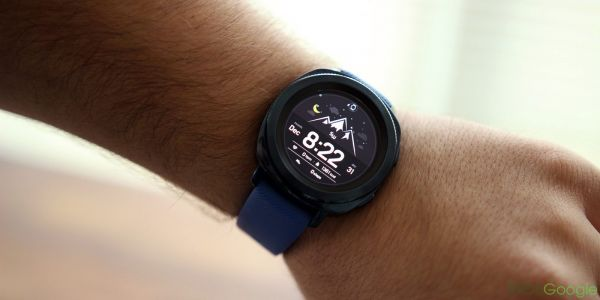 Samsung Gear Sport update tweaks battery charging and security features