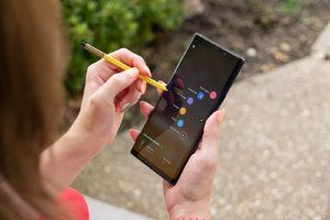 Samsung salivates over projected 5G phone prices, touts the Note 10's S-Pen