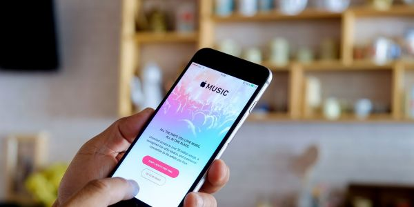 Opinion: Apple Music's human curation falls apart when it comes to less mainstream tastes