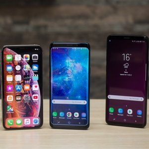 Samsung's smartphones might be slumping, but its OLED displays are bigger than ever