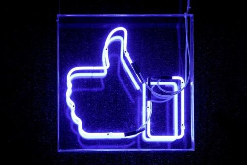 Facebook lets individual developers back into revised app review