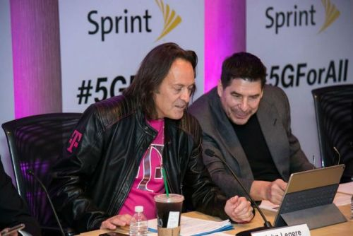 T-Mobile promises to keep prices the same if cleared to buy rival Sprint