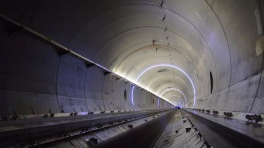 Is a high-speed hyperloop close to becoming a reality?