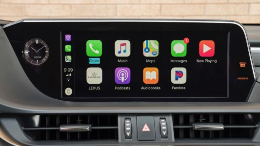 Lexus debuting CarPlay in latest ES sedan, 12.3-inch widescreen optional available, no touch