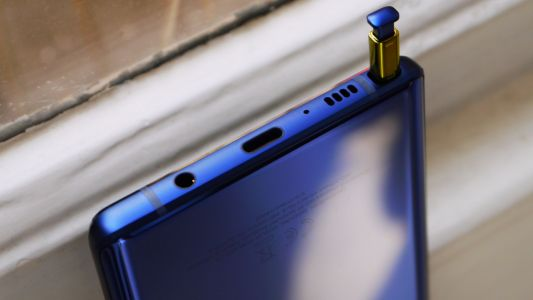 Samsung Galaxy Note 10 cases suggest there won't be a headphone port