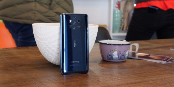 Nokia 9 PureView update enables a faster fingerprint sensor that can be fooled by chewing gum