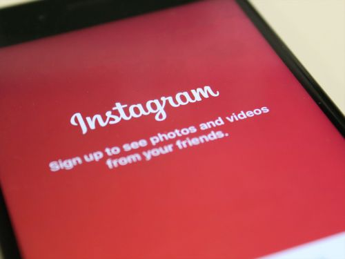 How to make your own custom Instagram Story Highlight covers