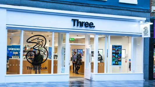 EE complains to ASA over Three 'true 5G' claims