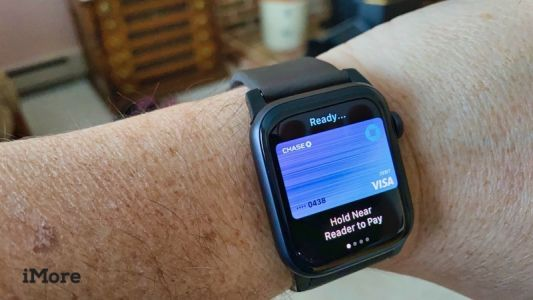 Change your default Apple Pay card on Apple Watch and make it rain