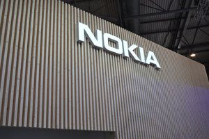 Leaked photo shows Nokia feature phone running a special version of Android