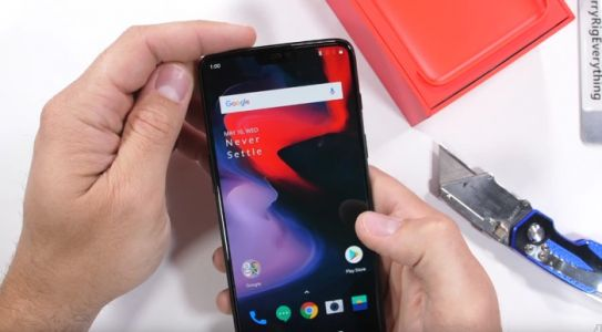 OnePlus 6 Smartphone Gets Torture Tested