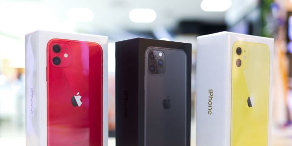 AAPL drops premarket as Credit Suisse analyst claims China iPhone shipments fell > 35% last month