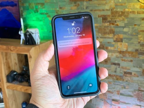 Does Apple's Smart Battery Case work with iPhone X?